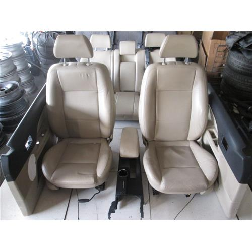 Interno completo in pelle beige ford mondeo 2 2 d 6m 114kw for Interno auto