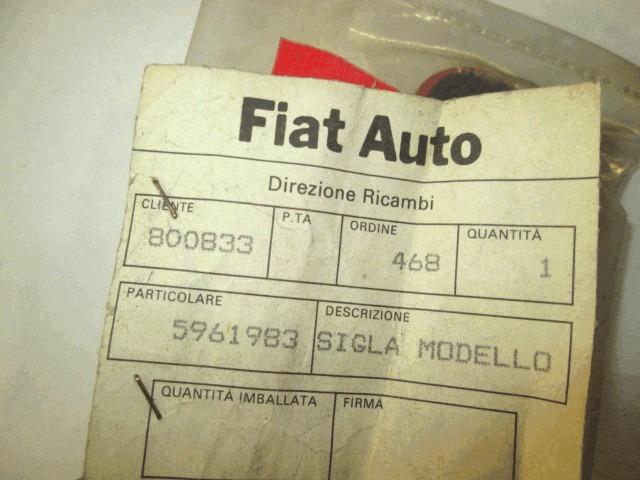 5961983 Scritta Logo Fregio Ritmo Nera Con Sfondo Rosso Fiat Ritmo